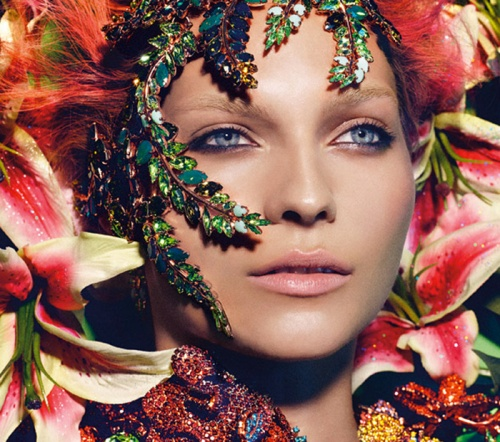 2013 Swarovski Vogue calendar 1